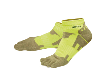 Five-toe sleeve design allows your toes to splay naturally and align properly, enabling greater stability and more comfort.